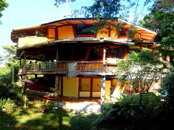 Costa Rica eco retreat, rent the resort