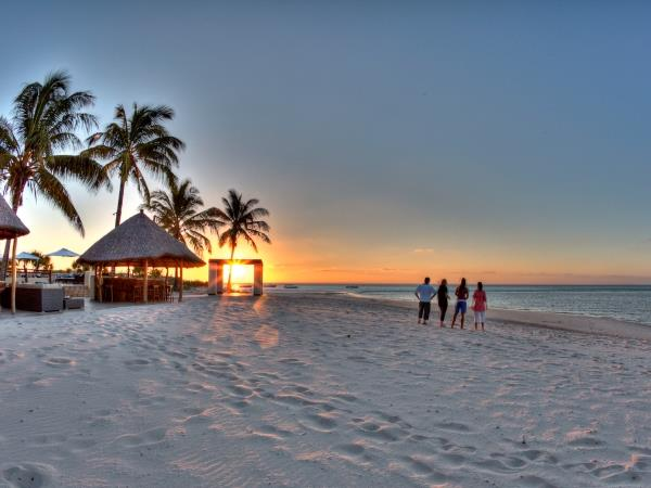 Family luxury safari & beach vacation, South Africa & Mozambique