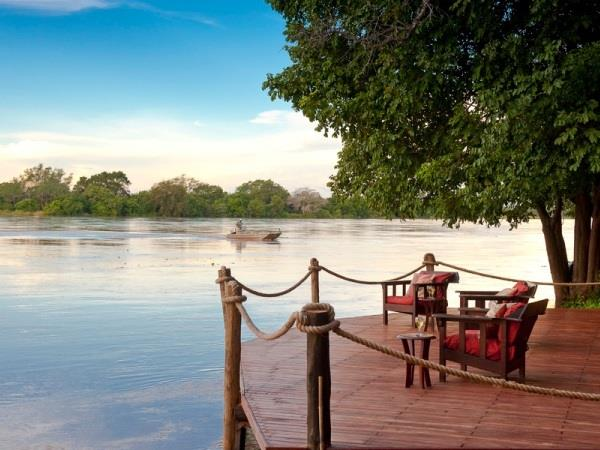 Zambia safari in Luangwa with Victoria Falls