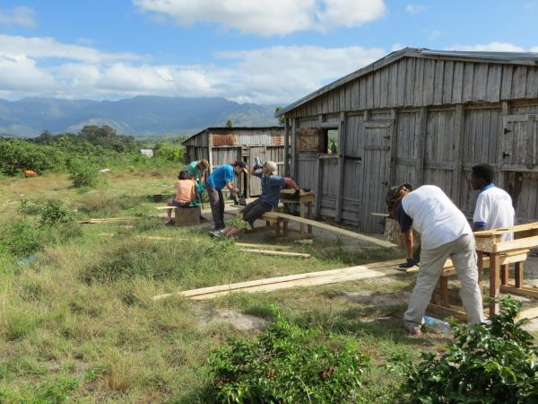 Volunteering in Madagascar, community building project