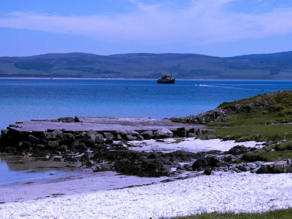 Scotland island hopping vacation, car free