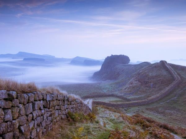 Edinburgh & Hadrian's Wall tour by train