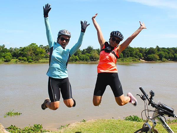 Cambodia cycling vacations
