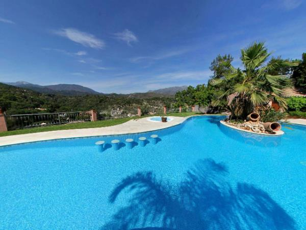 Luxury wellness, bootcamp and detox retreats in Spain