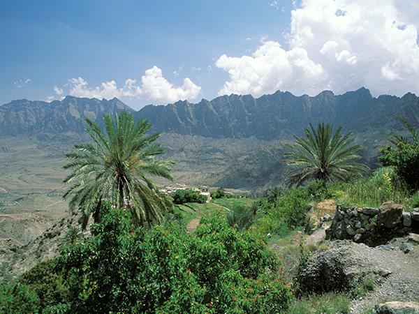 Oman cycling & trekking vacation