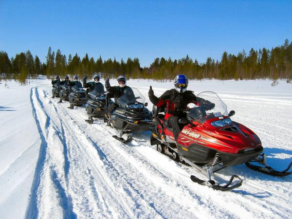 Family vacation in Finnish Lapland, pick and mix activities