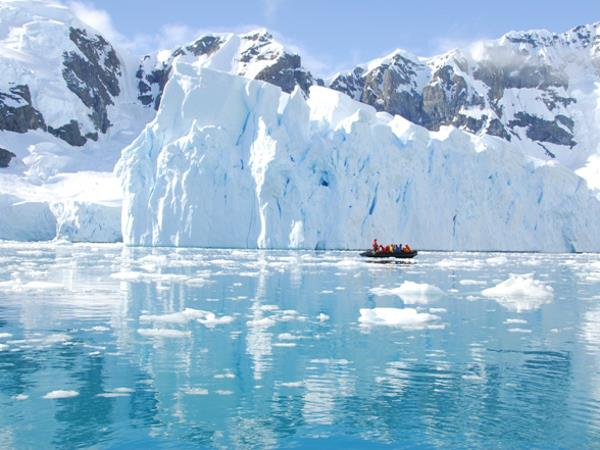 Patagonia and Antarctica, fly and cruise