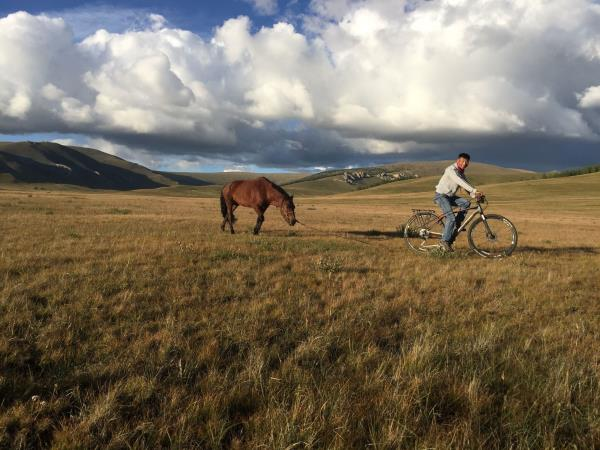 Mountain biking vacation in Mongolia