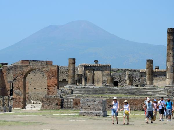 History and archeology vacation in Naples