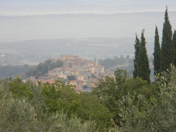 Tuscany hiking vacation, Italy