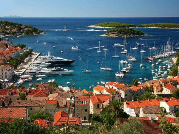Croatia vacation, island hopping and countryside