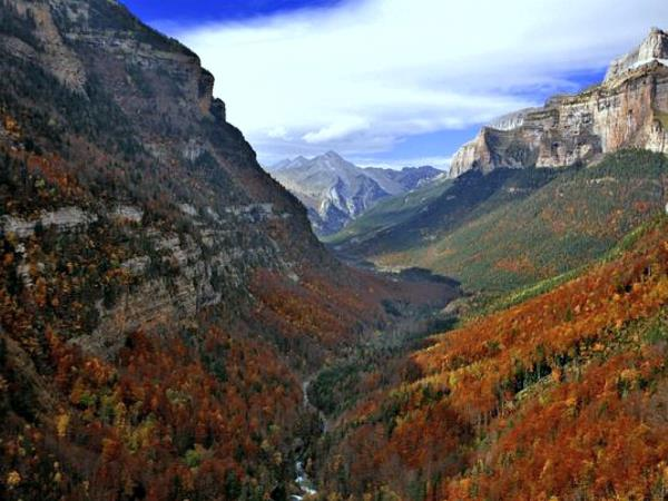 Spanish Pyrenees guided walking vacation