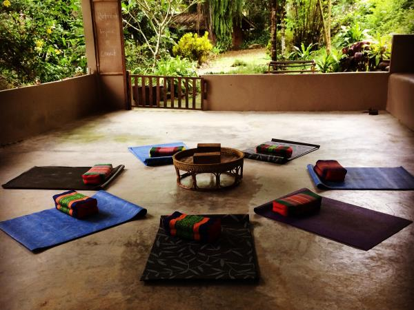 Thailand yoga and meditation retreat