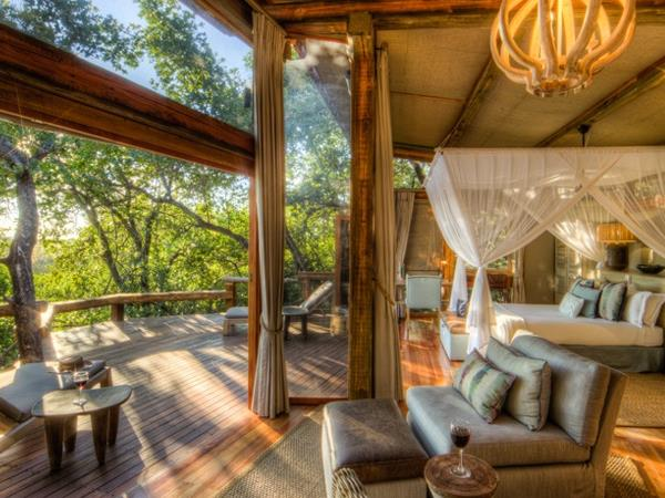 Botswana & Victoria Falls, green season safari