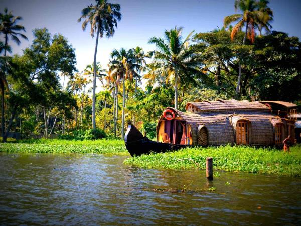 Kerala luxury tour, India