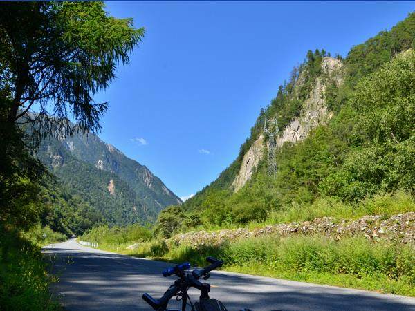 Cycling holiday in Sichuan, China