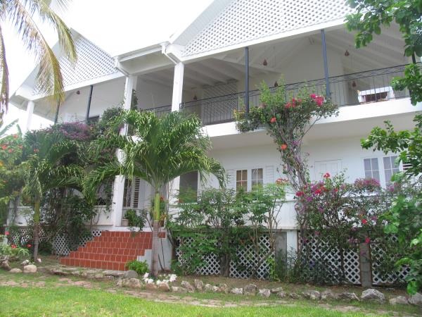Carriacou beach accommodation in Greneda