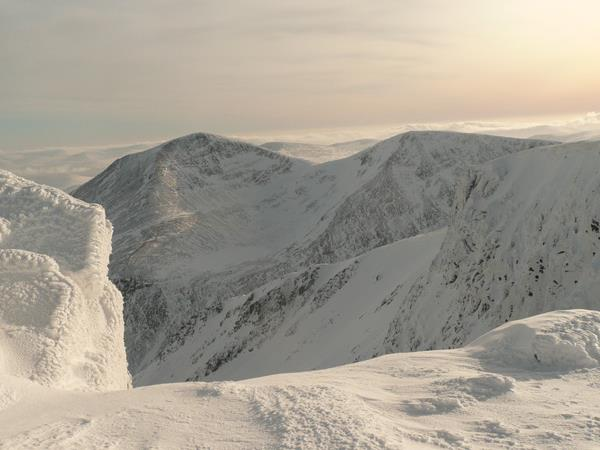 Scotland winter hiking vacations