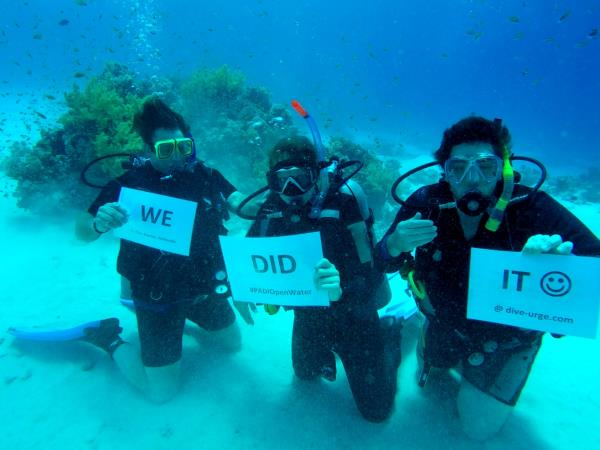Family learn to scuba dive holidays