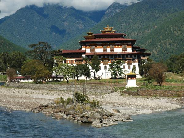 Small group tour to Bhutan,