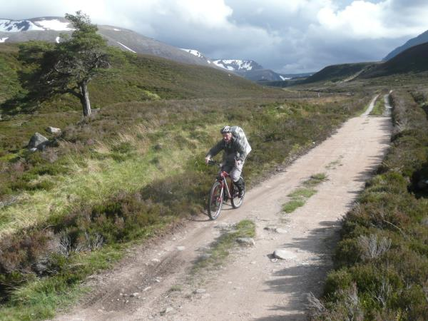 Walking vacations in Cairngorms