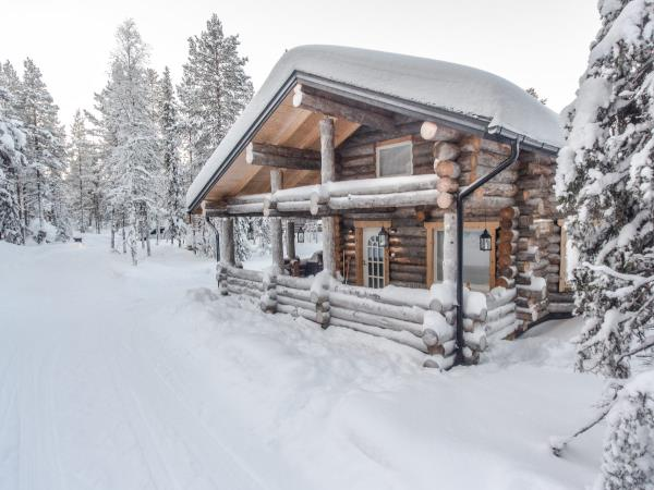 Christmas in Finland, log cabin stay