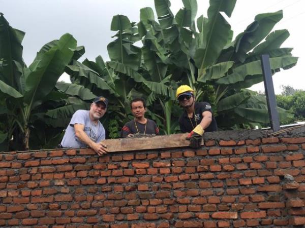Volunteering in Nepal, rebuilding program