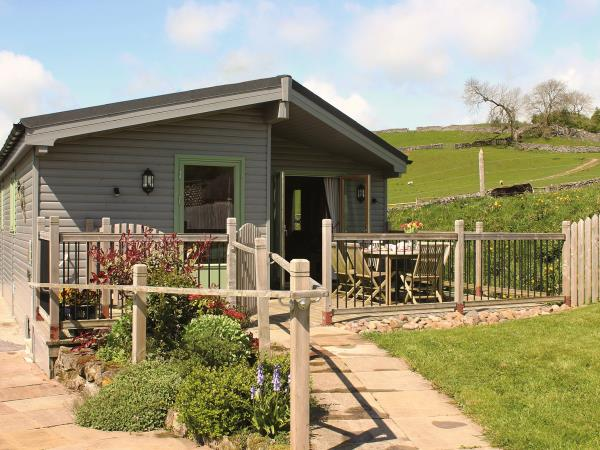 Peak District self catering log cabins, England