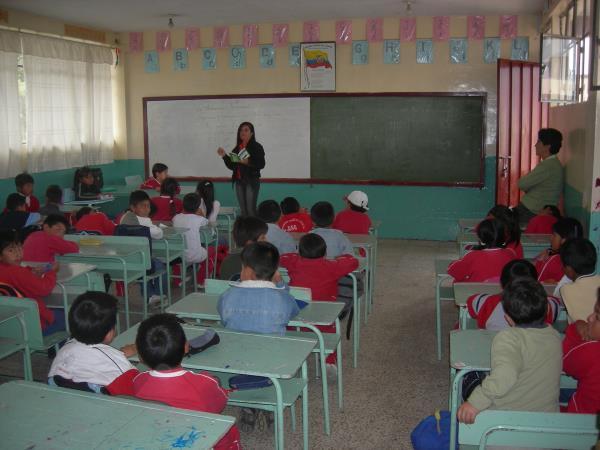 Teach disadvantaged children in Quito, Ecuador