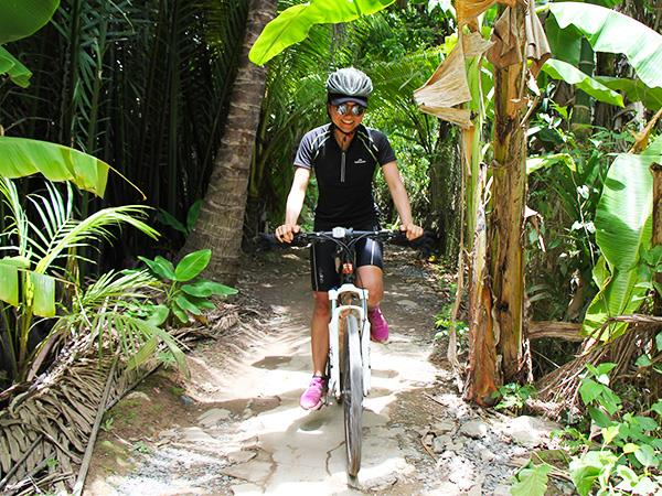 Cambodia & Vietnam community cycling vacation