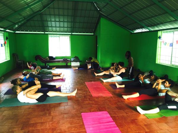 Yoga in India and volunteering vacation