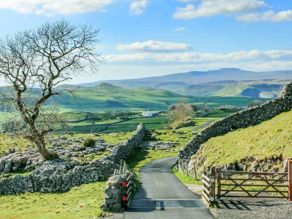 Yorkshire Dales hiking vacation