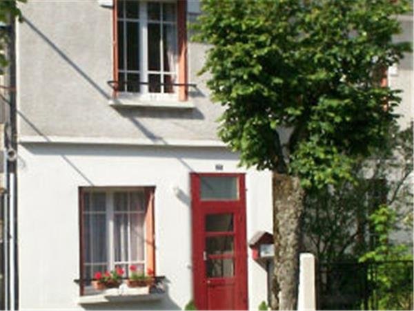 Auvergne vacation accommodation, France