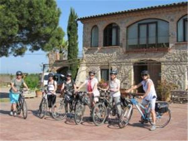 Catalonia self guided cycling vacation, Spain