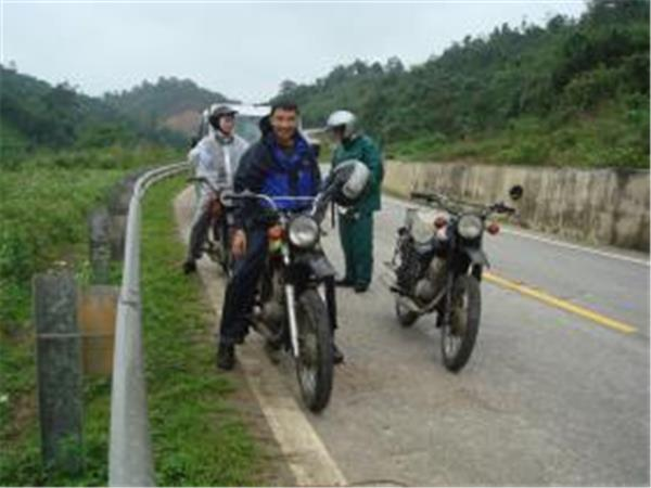 Motorbiking vacation in Vietnam, off the beaten track