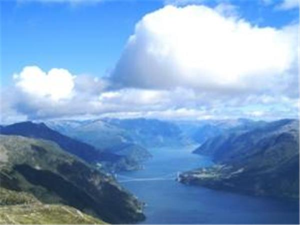 Norway self guided biking vacation, Hardangerfjord