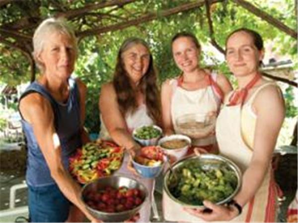 Holistic community vacation in Greece