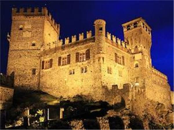 Stay in a castle in Italy