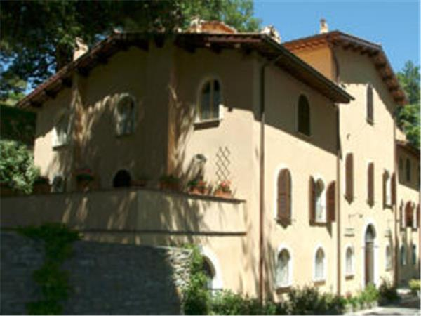 Umbria hotel, 15th century country hotel, Italy