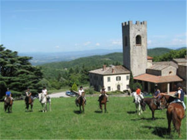 Tuscany horse riding vacation in Italy