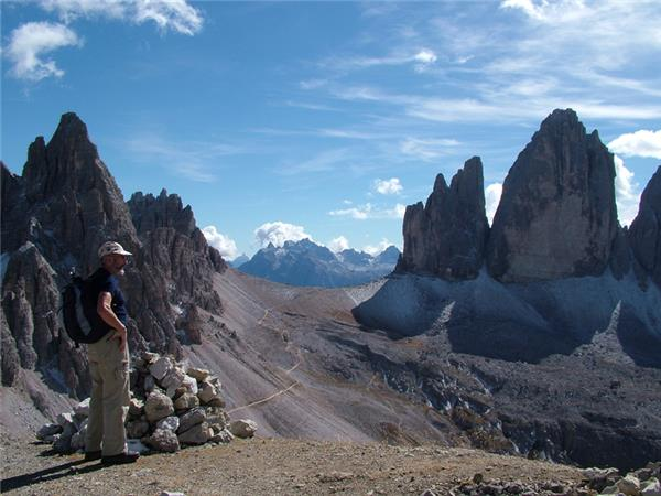 Dolomites walking vacation in Italy