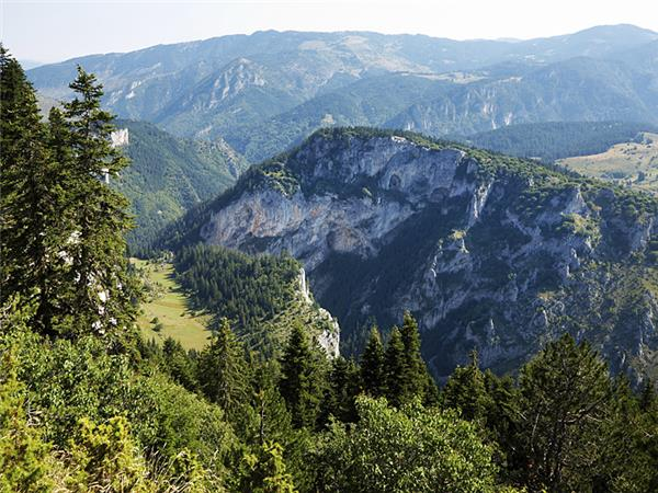 Rodopi mountains hiking vacation in Bulgaria