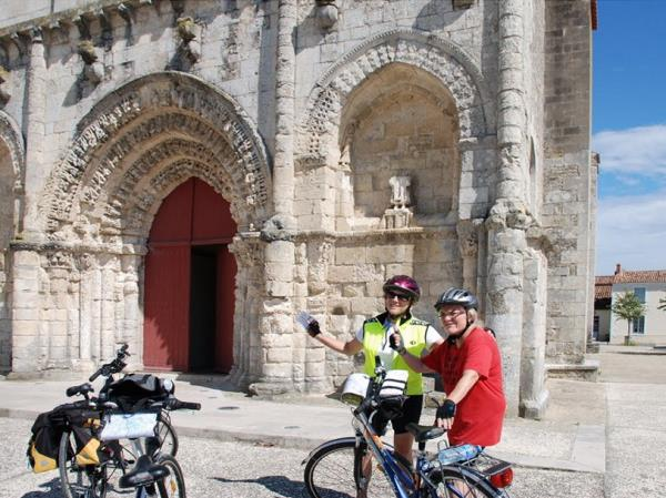 Nouvelle Aquitaine self guided bicycling vacation, France