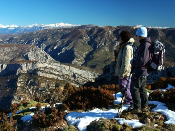 Winter hiking vacation in Spain, Spanish Pyrenees