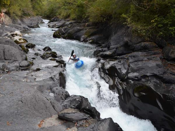 Kayaking vacations in the French Alps