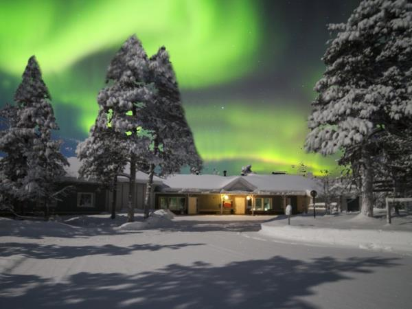 Northern Lights activity break in Finland, Arctic Hills
