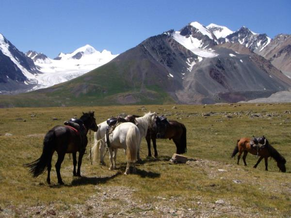 Hiking vacation in Krygyzstan, the heart of the Tien Shan