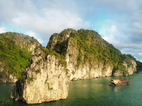 Vietnam tailor made holiday, North to South