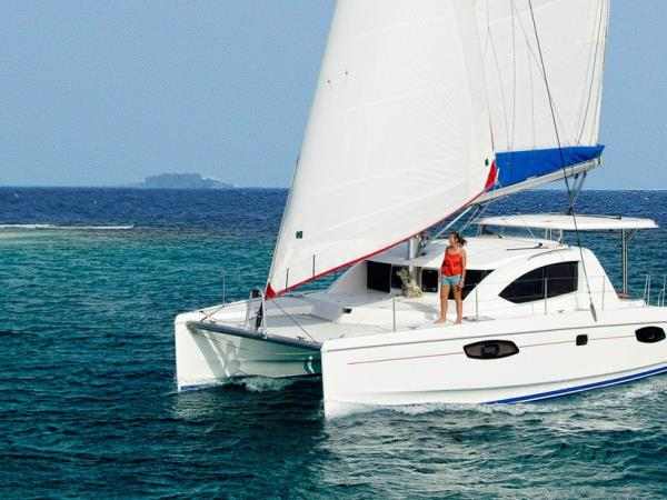 Maldives Catamaran Cruise