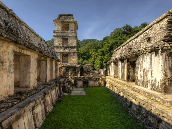 Mexico luxury cultural tour, temples & traditions